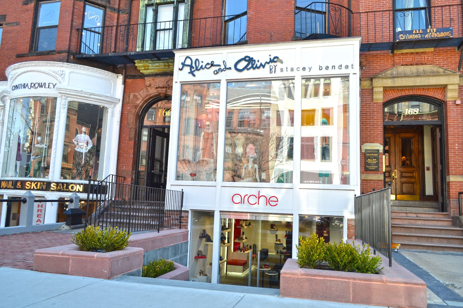 Arche Shoes is no stranger to Newbury Street, formerly located at 123 Newbury  Street for the past 15 years. The brand-new state of the art location is a  ...